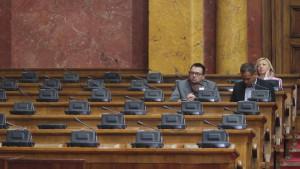 Bojkot izbora: Kako će preživeti stranke van skupštine