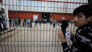 Bosna: Zabrana kretanja i policijski čas za migrante u kampovima Bira i Miral, UN protiv