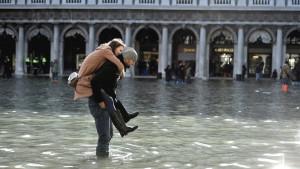 Venecija: Borba sa talasima od metar i po