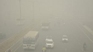 Zagađenje vazduha u Delhiju: Par-nepar pravilo za vozače
