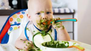 Eksperti upozoravaju na prekomerno hranjenje novorođenčadi