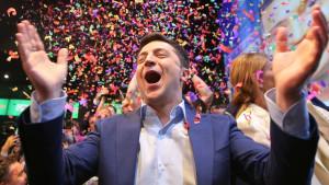 Izbori Ukrajina: Komičar Zelenski ubedljivo porazio predsednika Porošenka