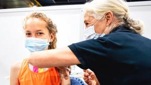 Korona virus, vakcine i deca: U kojim zemljama se deca vakcinišu i zašto i kako je na Balkanu