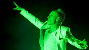 Kit Flint: Pevač grupe