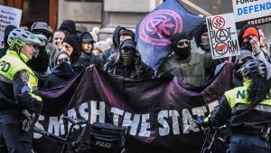 Antifa, Amerika i Džordž Flojd: Tramp kaže da će grupa biti proglašena terorističkom organizacijom