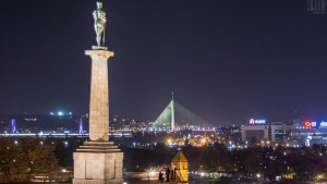 Prosidba nad Beogradom: On traži par da im pokloni fotografiju prosidbe
