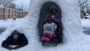 Otac iz Ohaja pravi iglo za ćerku sa invaliditetom