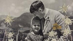 Fotografija na prodaju: Hitler i njegova drugarica - jevrejska devojčica