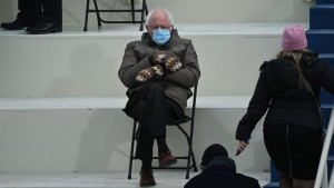 Amerika, inauguracija Bajdena i upečatljivi momenti: Bernijeve rukavice, Melanijin osmeh na Floridi i