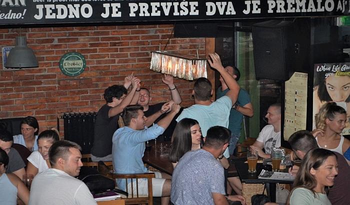 Pab kvizovi sve popularniji po novosadskim kafićima 13353